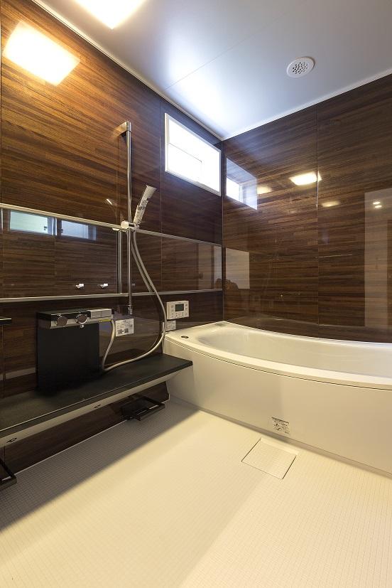 常総市の新築一戸建ての浴室