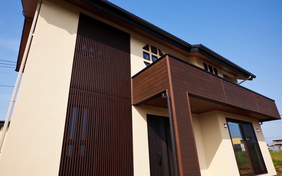 つくばみらい市の新築一戸建てのモダンな壁