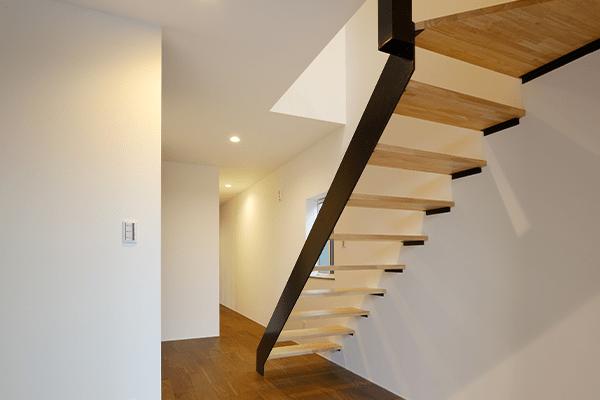 つくばみらい市のリノベーション住宅の階段