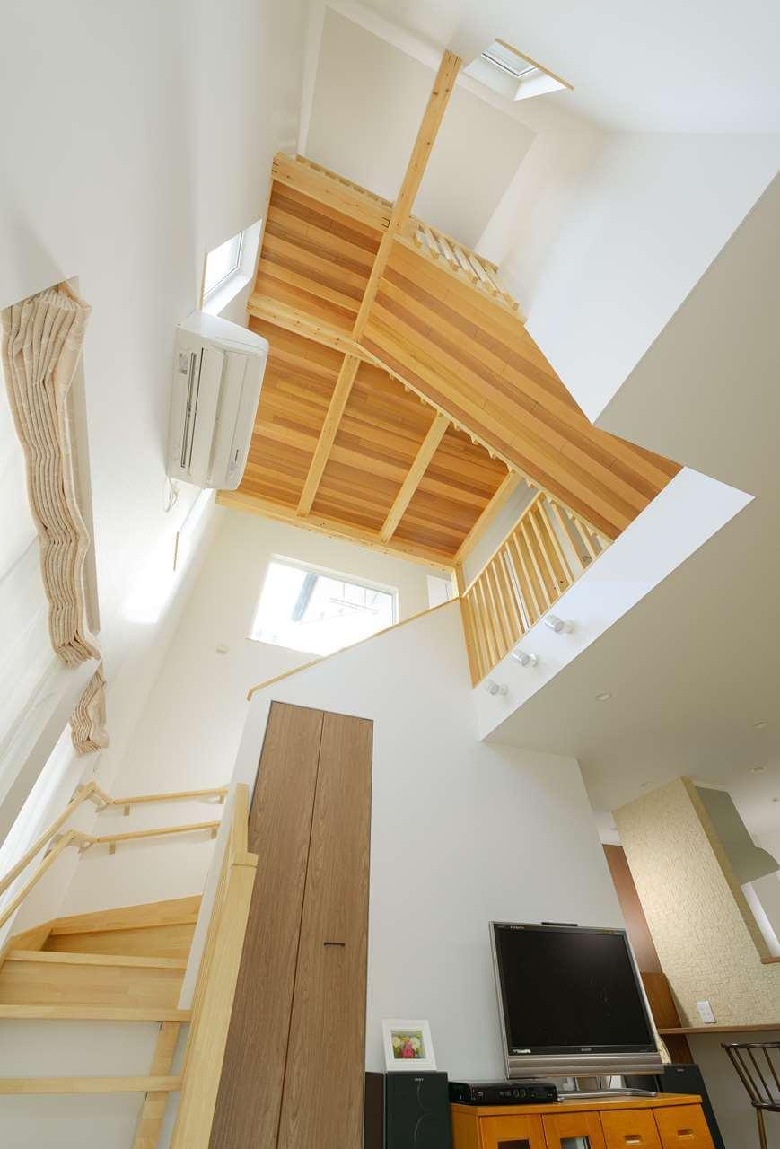 守谷市の新築一戸建ての吹き抜け階段
